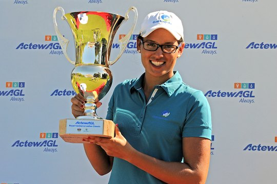Ashley Ona lifts the Royal Canberra Ladies Classic trophy