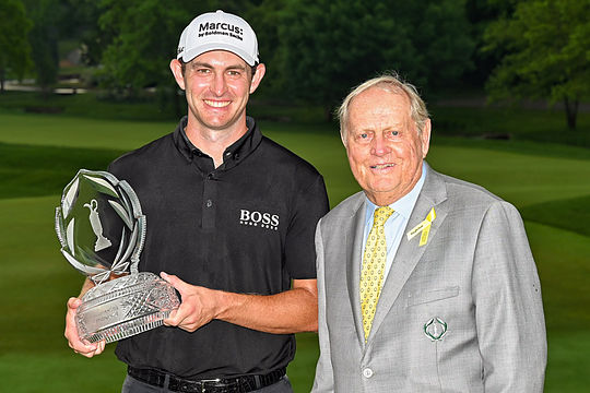 Patrick Cantlay with tournament host Jack Nicklaus