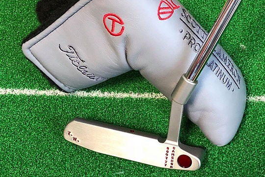 Collector pays US$44k for Tiger's backup putter